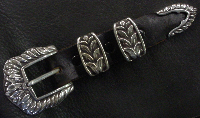 Victorian Leaf Buckle Set